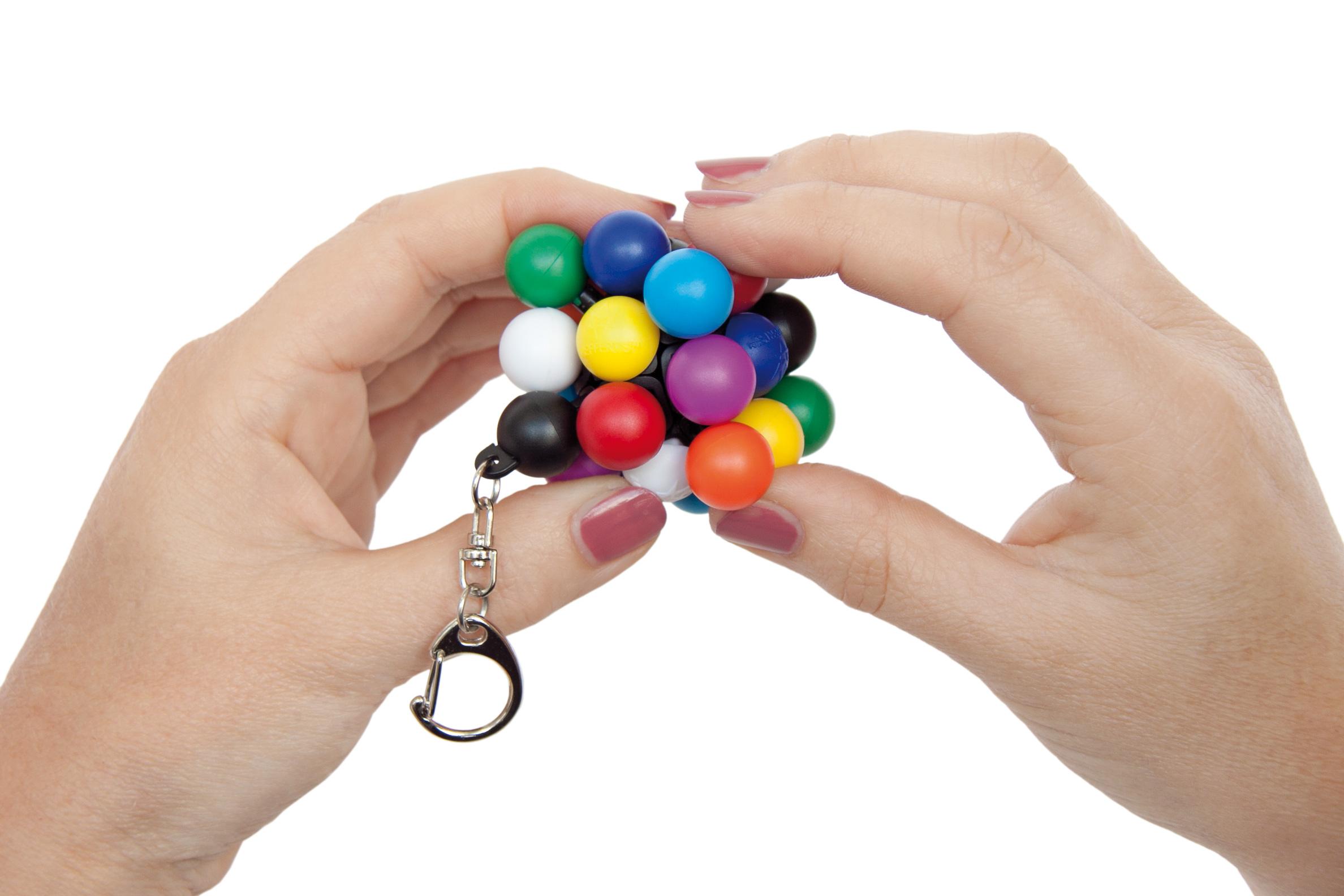 RecentToys-MiniMolecube-Mefferts-hands