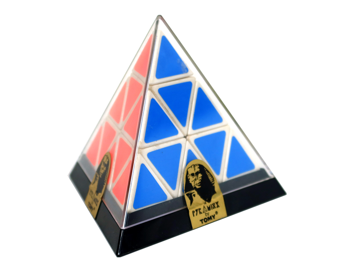 original-pyraminx-1200×900